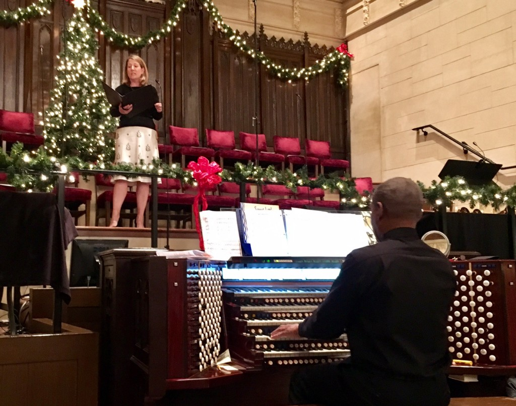 Hollywood Campus Christmas Eve Services - Cheryl Hartwell singing 12/24/16
