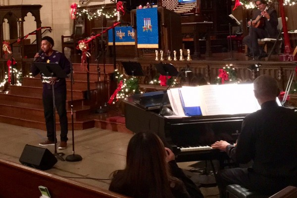 Hollywood Campus Christmas Eve Services - Lafayette Reed singing 12/24/16