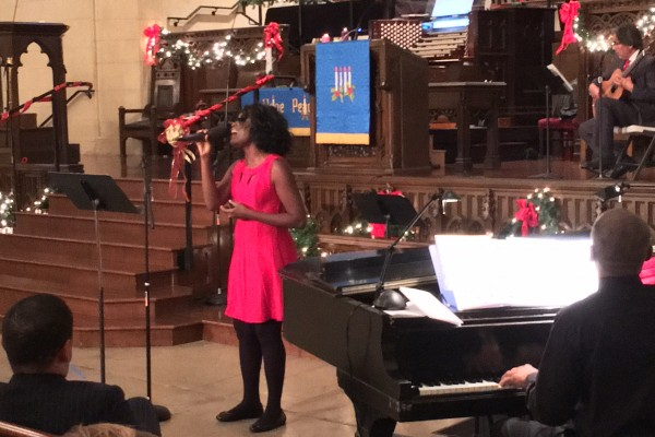 Hollywood Campus Christmas Eve Services - Malynda Hale singing 12/24/16